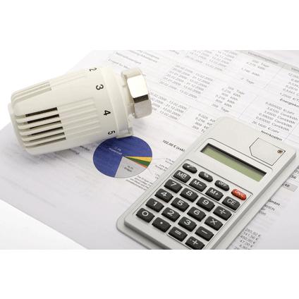 Thermostat und Rechner auf Tabelle